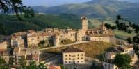 Продается городок в Италии