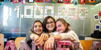 Три испанских девочки собрали миллион евро
