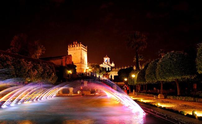 Испания: ночные световые шоу фонтанов в Кордове