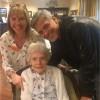Джордж Клуни поздравил с днем рождения 87-летнюю женщину
