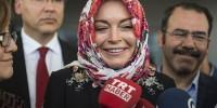 Принявшая ислам Линдси Лохан надела хиджаб на модный показ