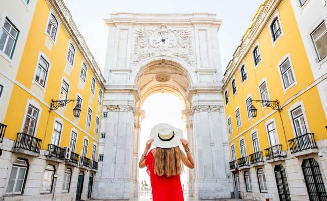 Новые правила для туристов вводит Португалия
