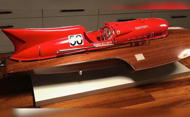 Италия: на продажу выставили гоночный катер с мотором от Ferrari