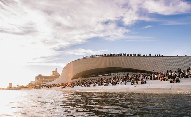 Португалия: «Over Flow» Тадаши Кавамата