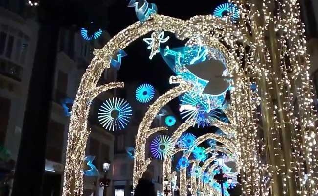 Испания: Антонио Бандерас зажёг рождественские огни в Малаге