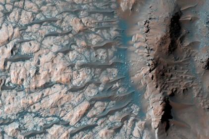 На Марсе нашли источник воды и инопланетной жизни
