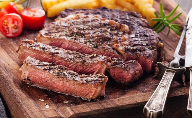 Испанцы едят мяса в шесть раз больше, чем советуют врачи