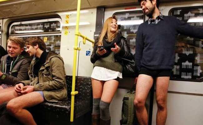 По всему миру прошла акция «В метро без штанов»
