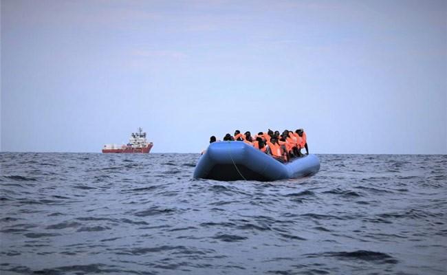 Перевозчики доставят в Италию первую при новой власти группу мигрантов