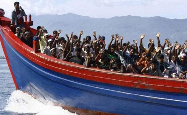 Власти Италии запретили заход судна с мигрантами на борту