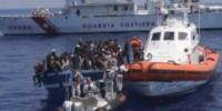 Италия: у берегов Лампедузы вновь перехватили лодку с нелегалами
