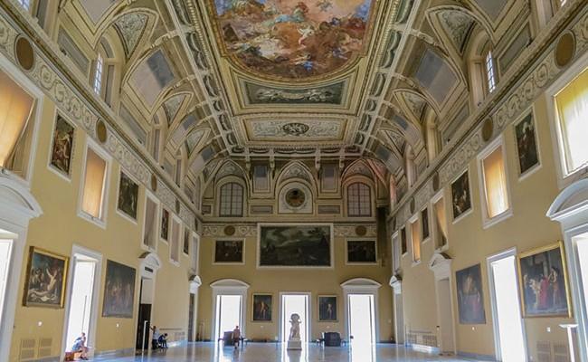 Италия: Неаполь - «Воскресенье в музее»