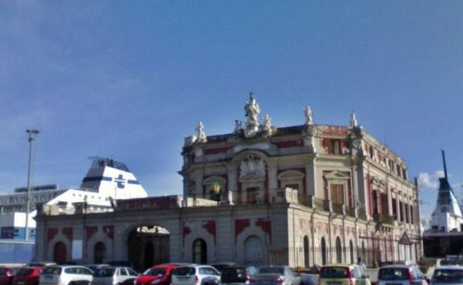 Италия: начинается реставрация дворца 18 века