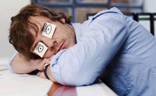 Ученые: хроническое недосыпание провоцирует обжорство