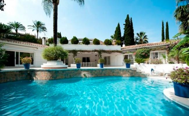 За испанскую недвижимость расплачиваются наличными