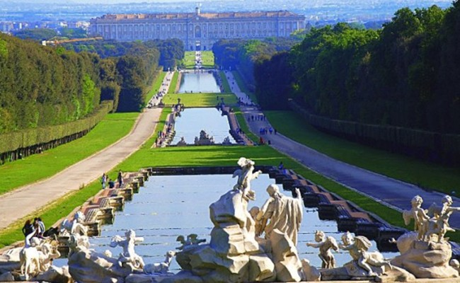 Италия: Festa della Donna в Королевском Дворце