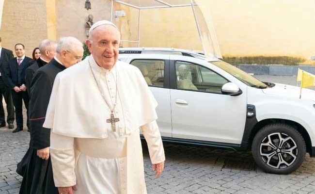 Италия: Renault построил «папамобиль» для папы Римского Франциска