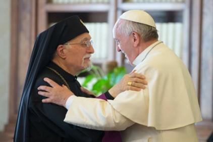 Италия: планшет Папы Римского продан за 30 тысяч долларов