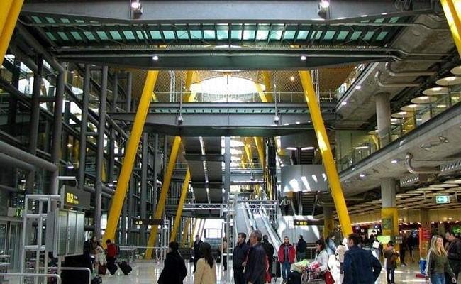 В испанских аэропортах появится экспресс-парковка