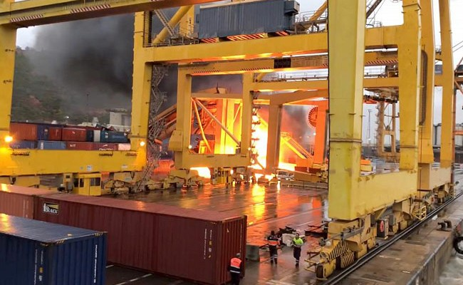 Испания: в порту Барселоны произошел пожар