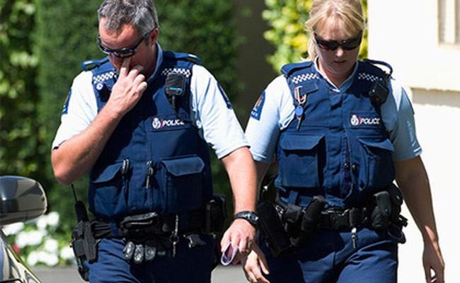 Полицейских в форме отказались пустить на гей-парад