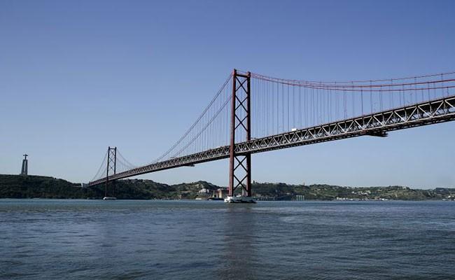 Португалия: работы на Мосту 25 апреля
