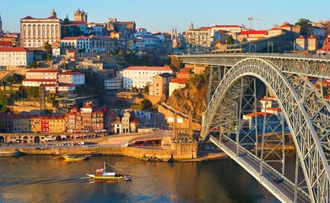 За 2019 год в Португалии побывало 22,8 миллиона туристов