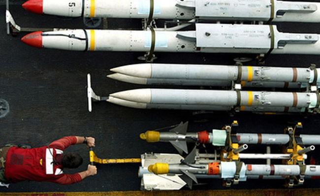 Случайный пуск ракеты истребителем НАТО вызвал пожар