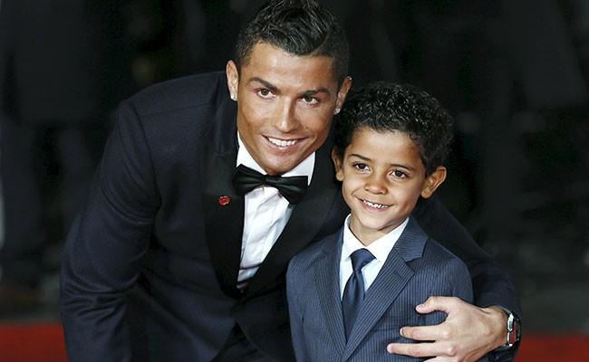 Португалия: сын Роналду лишился страницы в Instargam