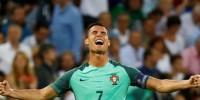 Португалец Криштиану Роналду - лучший игрок Европы