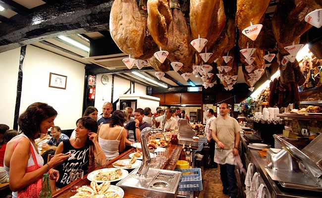 Сан-Себастьян - главное направление гастрономического туризма в Испании