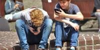 Испания: в школах ограничат использование мобильных телефонов