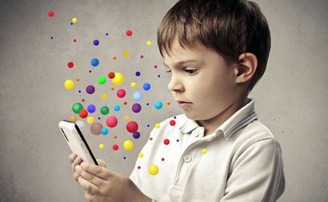 Италия: школьникам разрешат пользоваться смартфонами