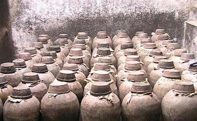 Испания: на Менорке нашли хранилище древних сосудов