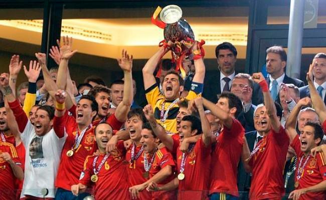 Сборная Испании получила за победу на ЧЕ-2012 по футболу 23 млн евро