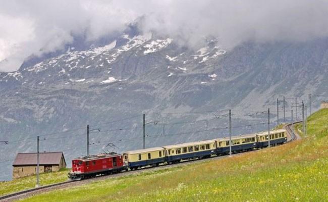 В Швейцарии столкнулись два пассажирских поезда