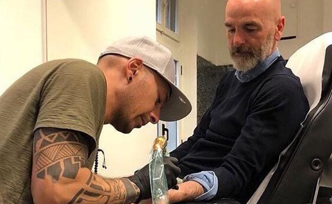 Италия: Стефано Пиоли сделал татуировку в честь Астори