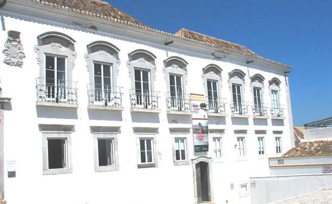 Португалия: выставка «Танцуя как Мавр» в Тавире