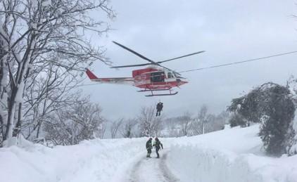 Тело первой жертвы извлекли из отеля, накрытого лавиной в Италии