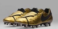 Nike посвятил Франческо Тотти золотые бутсы