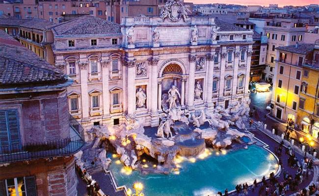 Италия: туристки подрались у фонтана Треви за право первого селфи
