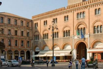 Итальянский профессор оставил свой дом беженцам
