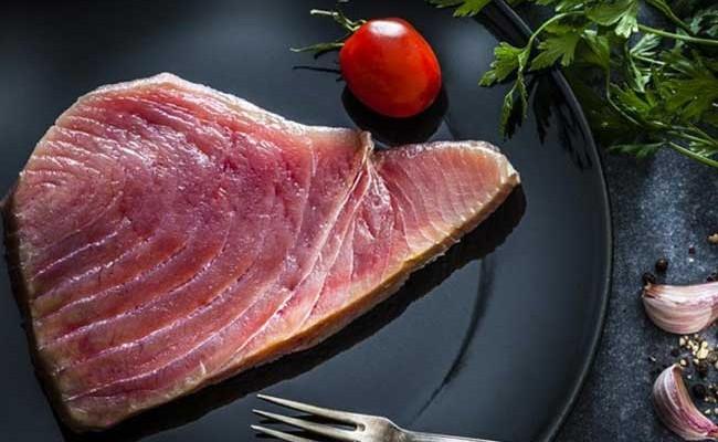 Испанские врачи: беременным и детям нельзя есть тунца