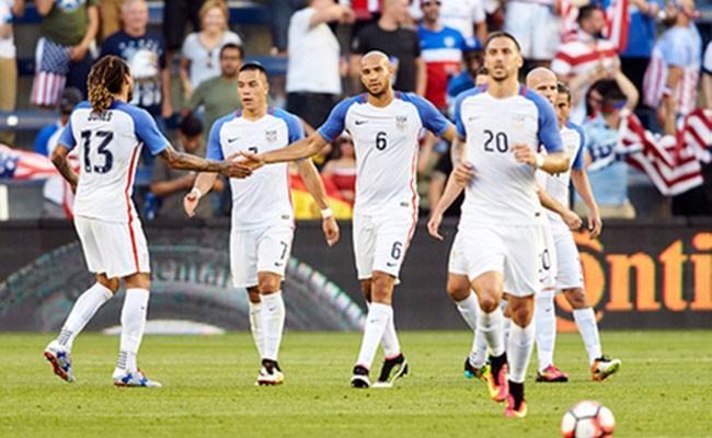 Сборная США впервые за 30 лет осталась без ЧМ по футболу