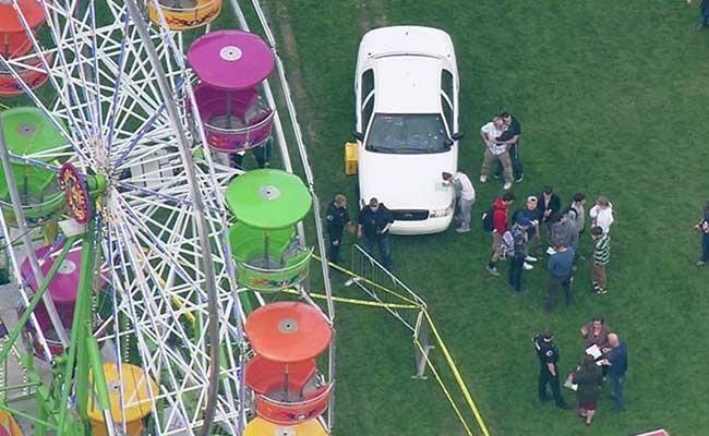 Две женщины и ребенок выпали из кабины колеса обозрения