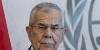 Полиция застала президента Австрии в закрытом кафе