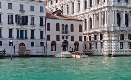 Италия: Джонни Депп продает дом в Венеции