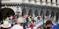 Италия: для полуголых туристов в Венеции в разы подняли штрафы