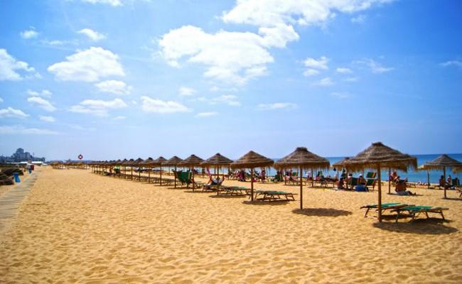 В Португалии закрыли несколько пляжей