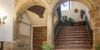 В Испании на продажу выставлен старинный дом-монастырь